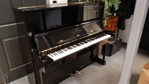 Steinway&sons K-132 鋼琴
